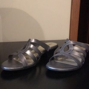 Silver size 9.5 east 5th dress sandals